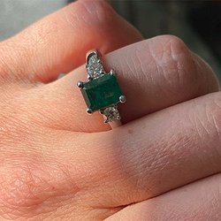 Food Network Star Alex Guarnaschelli Shows Off Emerald Engagement Ring